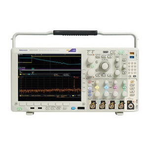Tektronix MDO4104C w/Factory Install 6Ghz Spectrum Analyzer